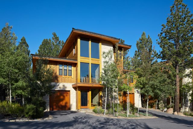 Obsidian residences in Mammoth Lakes in summer